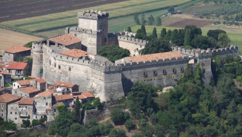 Giardini di ninfa e castello caetani cisterna di latina lazio daylighttour - I giardini di alice latina lt ...