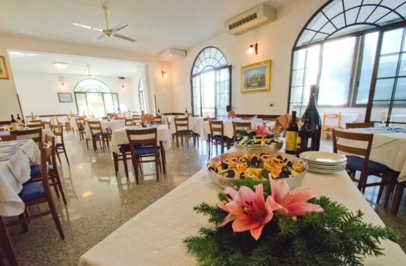 Hotel altamira roseto degli abruzzi abruzzo daylighttour - Hotel giardino roseto degli abruzzi ...