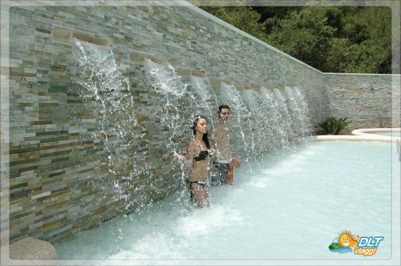 Complesso termale vescine suio terme lazio daylighttour - Suio terme piscine ...